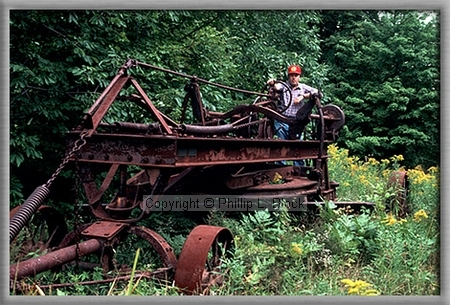 Relics of the Old UP – Abandoned Road Grader – BlockPhotos com